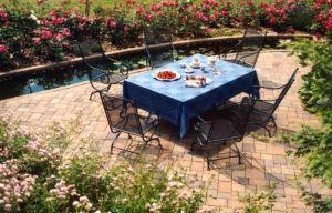 terrasse mit pflaster oder fliesen. Black Bedroom Furniture Sets. Home Design Ideas